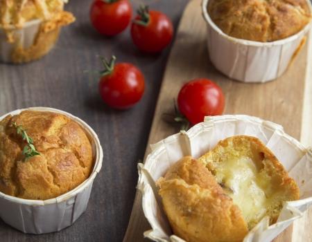 Muffin ai pomodoru secchi e raclette Entremont